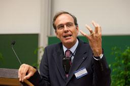 Prof. Ulrich Blum